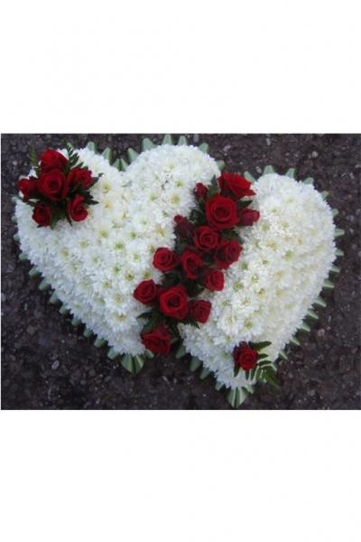 Венок в форме сердца