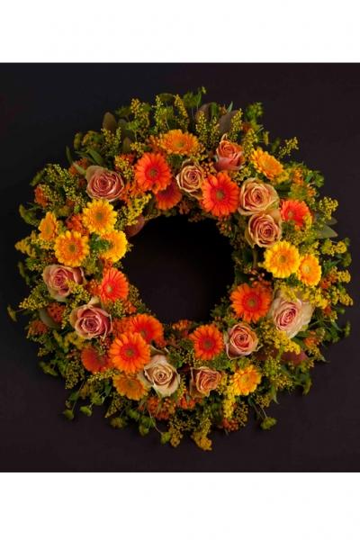 Венок европейский круглый из живых цветов