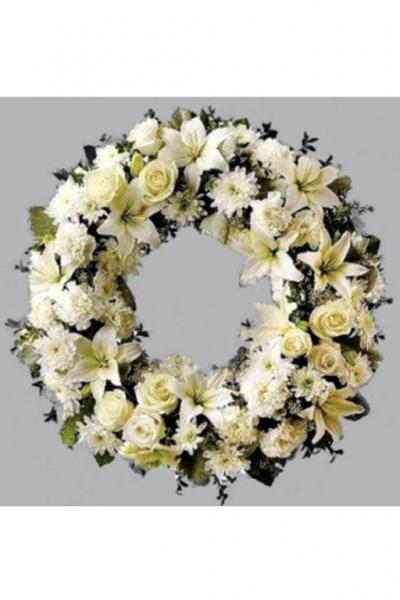 Венок европейский круглый из лилий, роз, хризантем
