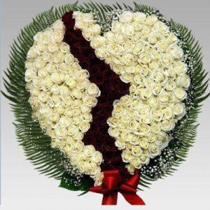 Траурная корзина 301 роз