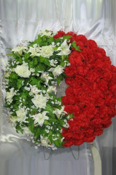 Бублик из живых цветов